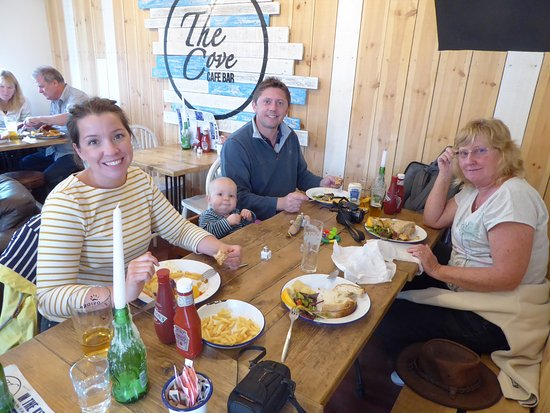 Hope Cove, UK: Great food, ale and company at The Cove.