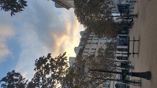 Vanves, Francia: 20161015_184001_large.jpg