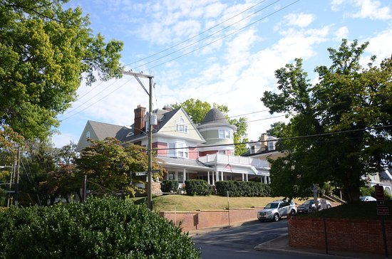 Staunton, VA: A home accross the street from Wilson's birthplace