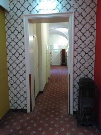 Pertschy Palais Hotel: No cuenta con aire acondicionado pero sí con las tradicionales estufas cerámicas