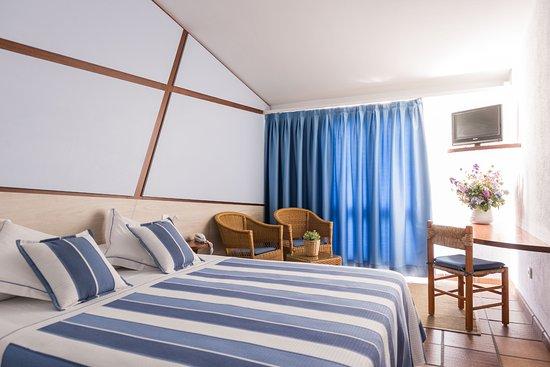 Hotel Blaumar Cadaqués: habitación renovada