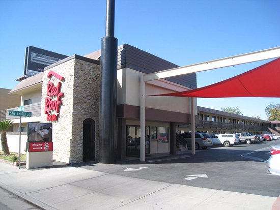 Check In/out Of Red Roof Inn Bakersfield