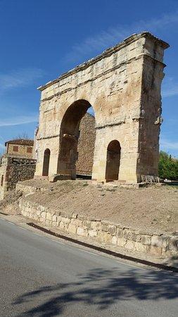 Medinaceli, Spanyol: Arco Romano