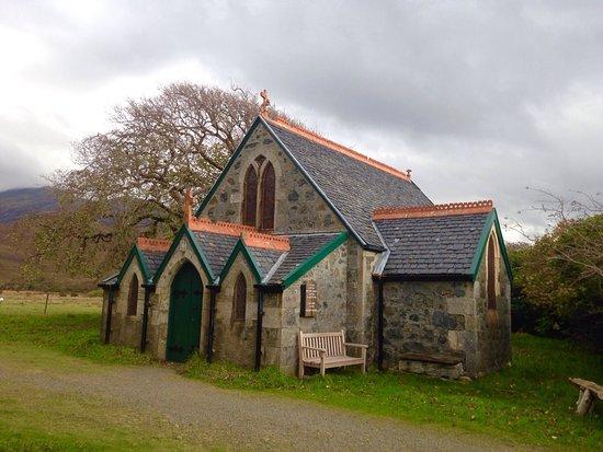 Craignure, UK: Stary kościół 300m od zamku Moy Castle