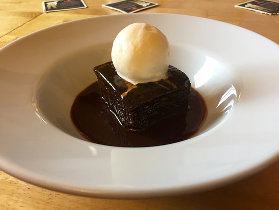 Webley Waterfront Inn and Hotel : sticky toffee pudding...
