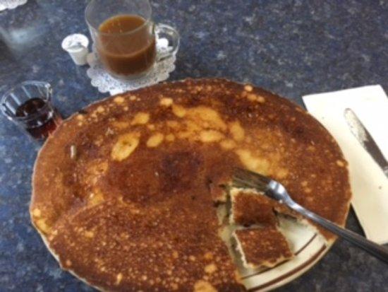 Port Orford, Oregón: Giant pancake at TJ's