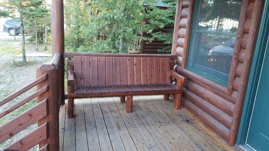 Mackinaw Mill Creek Campground: Bridgeview 6 Person Cabin