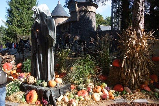 Dolancourt, Франция: les monstres