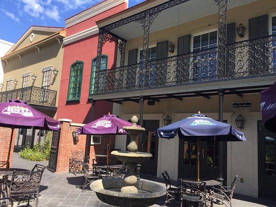 Abita Springs, LA: Classic New Orleans styling.