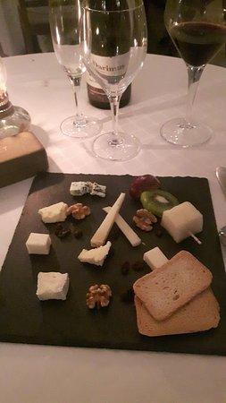 Los Belones, Spanyol: small sample cheeseboard curtesy of the chef