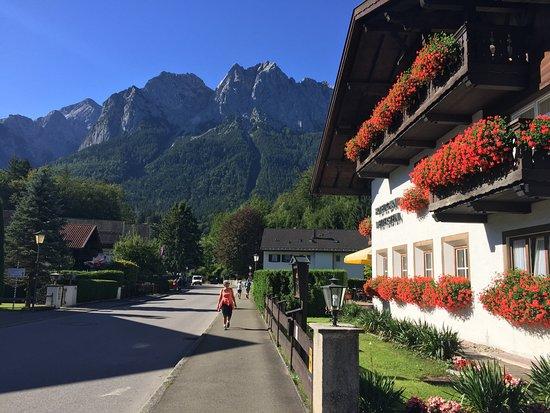 Hotel Garni Wetterstein Photo