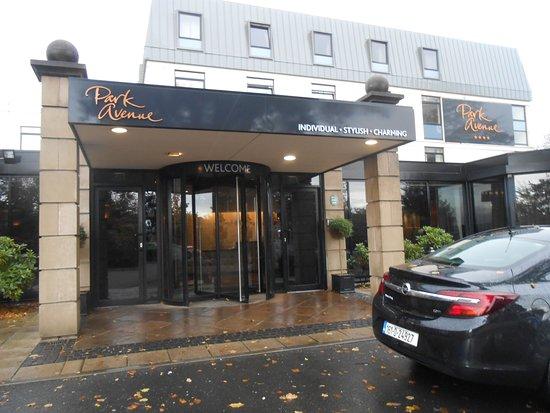 Park Avenue Hotel: front entrance
