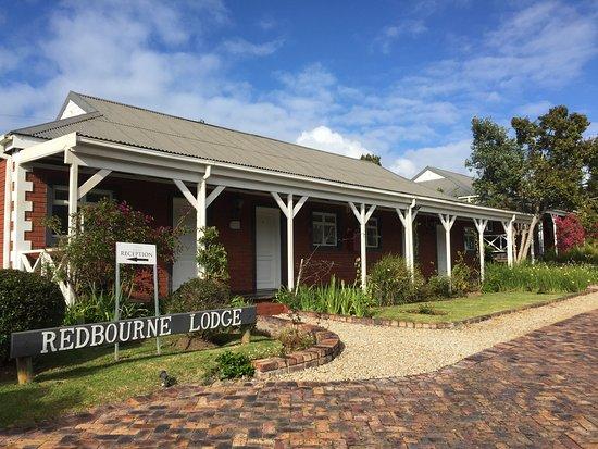 Redbourne Country Lodge: huisjes vanaf parkeerplaats