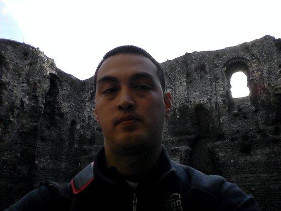 Canterbury Norman Castle: Me inside the Castle