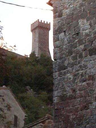 Radicofani, Italien: 20161015_183216_large.jpg