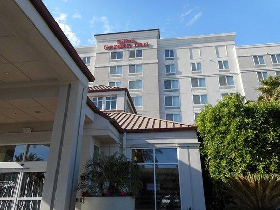 Hilton Garden Inn, Oxnard/Camarillo: Exterior