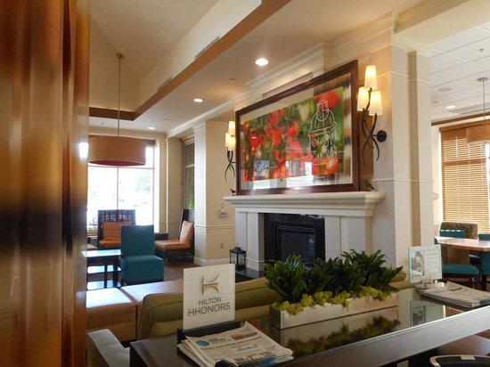 Hilton Garden Inn, Oxnard/Camarillo: lobby