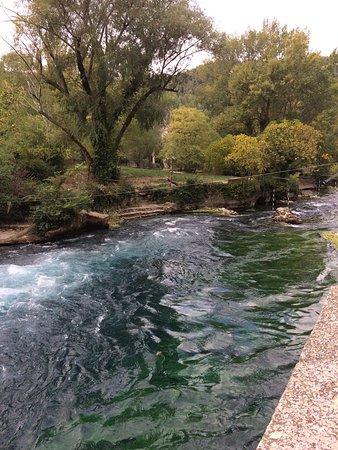 Fontaine de Vaucluse, فرنسا: photo1.jpg