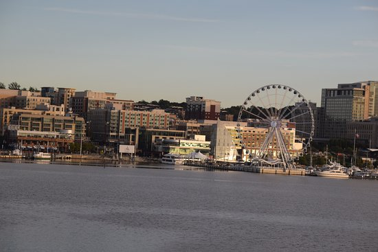 Wyndham Vacation Resorts At National Harbor: National Harbor overview
