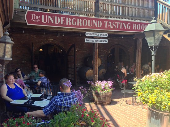 ‪The Undergound Tasting Room‬