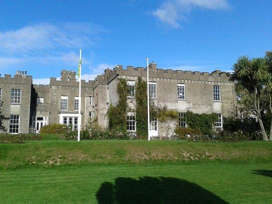 County Dublin, Irlandia: Schlossfront Richtung Parkplatz