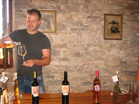 Smokvica, Croatia: Great wines & prices!