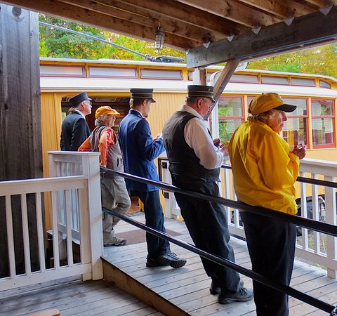 Shelburne Falls, MA: Trolley museum staff are warm and friendly