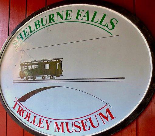 Shelburne Falls, MA: Nice way to spend an hour