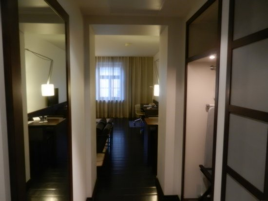 Hotel Bergs: Room entry
