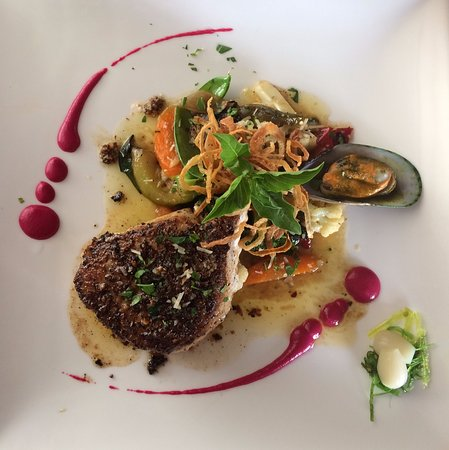 Katre Bistro: Seared fish. Local catch. Medium rare.