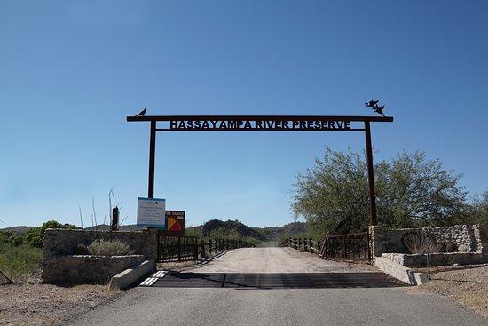 Wickenburg, AZ: Entry off of Hwy 60