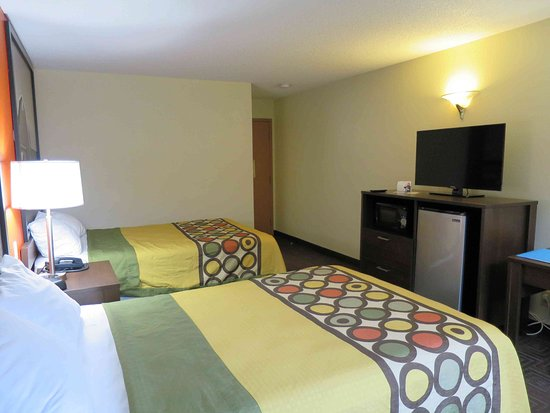West Haven, CT : Room 108 - very nice