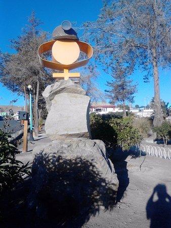 Monumento alusivo a la minería en la Plaza de Armas de El Salvador, Chile.