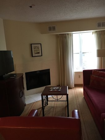 Residence Inn Savannah Midtown: photo0.jpg