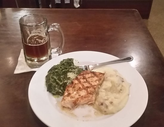 Cookeville, TN: Ale, spinach, salmon, potatoes... yum!