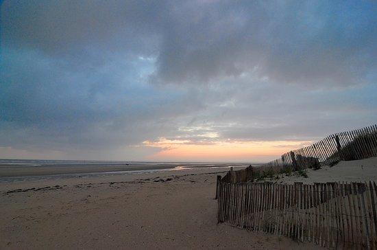 Ravenoville, Francia: low tide and sunrise