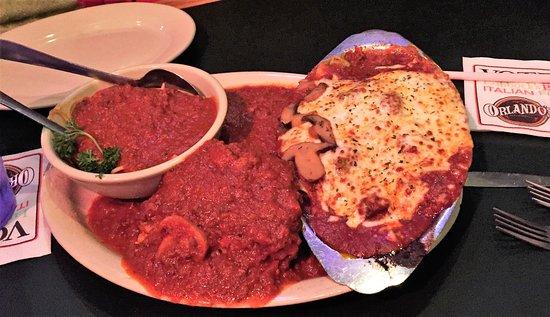 Orlando S Italian Restaurant The Pasta Sampler Comes With Spaghetti Beef Ravioli Lasagne