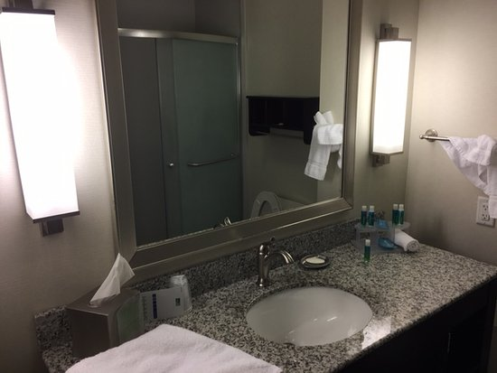 Holiday Inn Express & Suites Austin-(Nw) Hwy 620 & 183 Photo