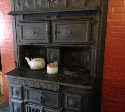 Bidwell Mansion: Cook stove in the kitchen