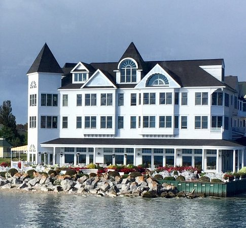 Beautiful Historic Hotel on the water. (Avoid Room 203 if you are a light sleeper!)