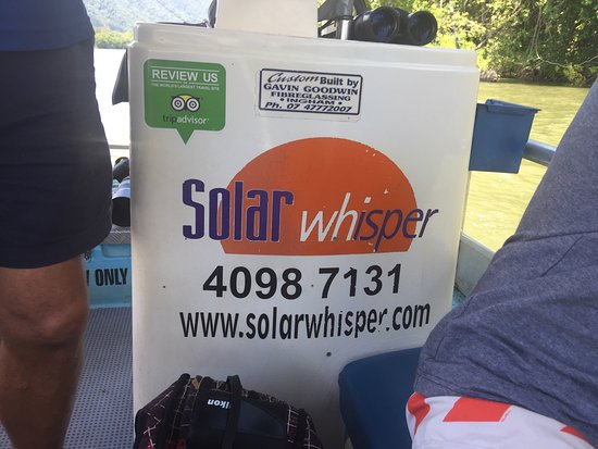 Daintree, Australië: Fotos desde el bote que usa células fotovoltaicas