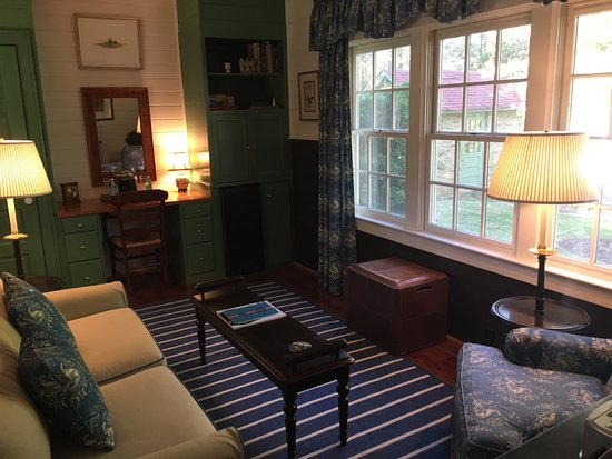 Goodstone Inn & Restaurant: This is the sitting room in the Stallion Suite.