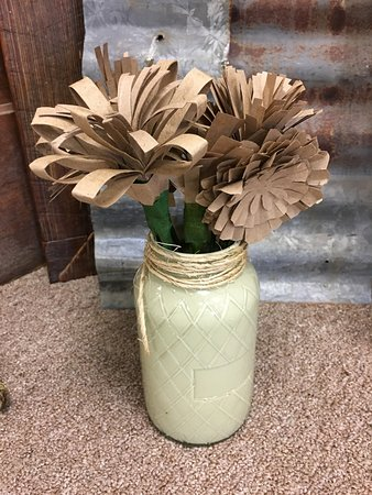 Granbury, TX: Eco-paper flowers...the newest thing to make...fun and easy!