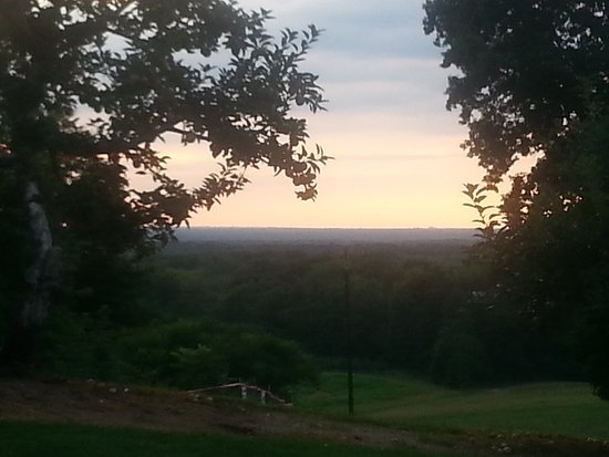 Mapleside Farms: Amazing view from Mapleside, on a quiet evening a few months back