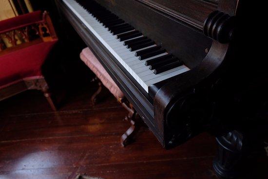 Woodstock, CT: the piano