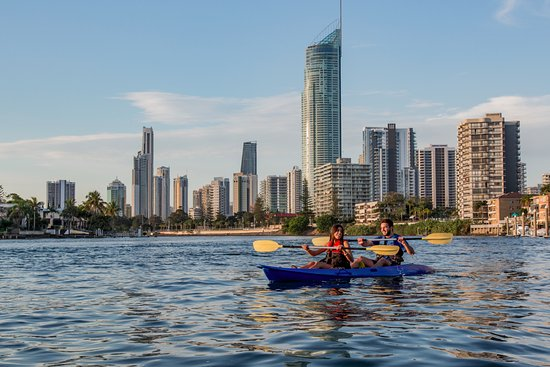 Broadbeach, Australien: Sparkling city views and magic photo spot from the water