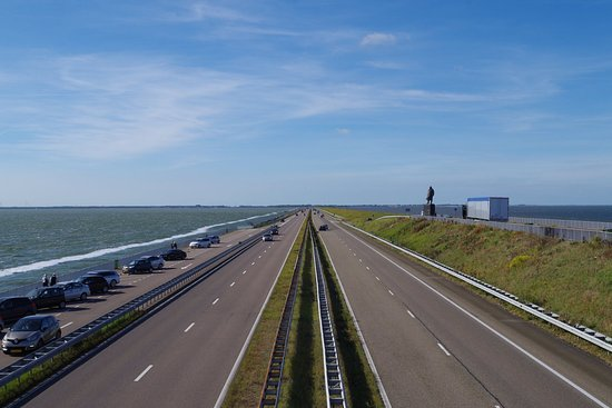 デン・ウフェル, オランダ, 陸橋上からの眺め