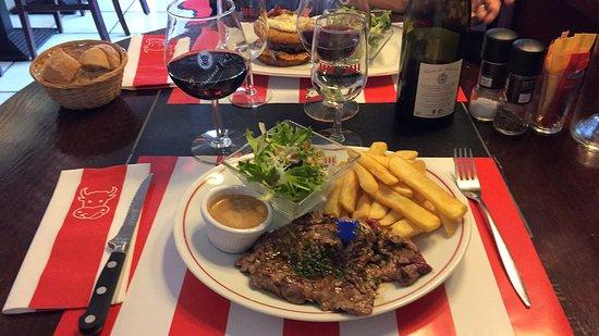 Fontenay-le-Comte, Francia: araignée sauce roquefort salade frite