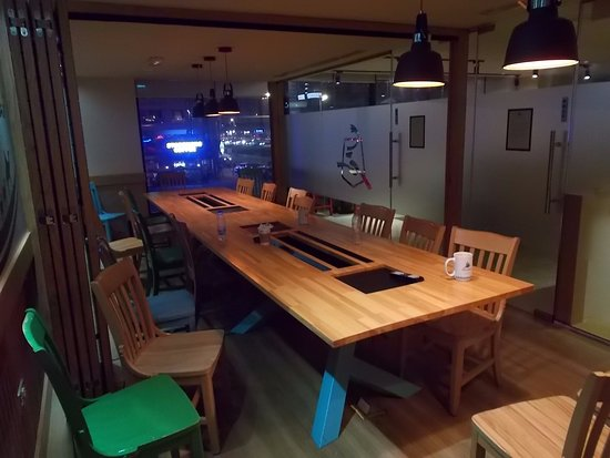 Caribou Coffee Financial Centre Dubai Meeting Room
