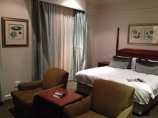 Protea Hotel by Marriott Durban Edward: two recliner seats